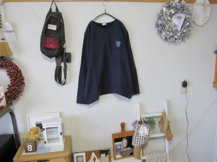中古ドラッグストアーズdrug stores可愛いトレーナー紺大きいサイズ